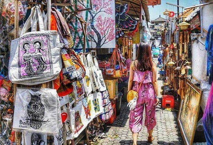 6 Cara Menawar di Pasar Seni Sukawati Bali, Alamat Gianyar Sejarah Baju  Souvenir Lukisan Online   JejakPiknik.Com