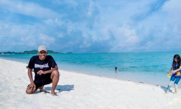 Pulau noko bawean selayar gili gresik cara ke gambar letak lokasi pantai peta giri dan di gersik madura wisata