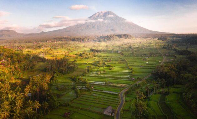 Gunung terangker di indonesia urutan dan ceritanya paling angker beserta mitosnya yang misteri