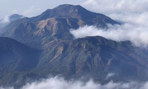 10 Gambar Gunung Tertinggi Di Pulau Jawa Urutan Yang Memiliki Aktivitas Vulkanik Jejakpiknik Com